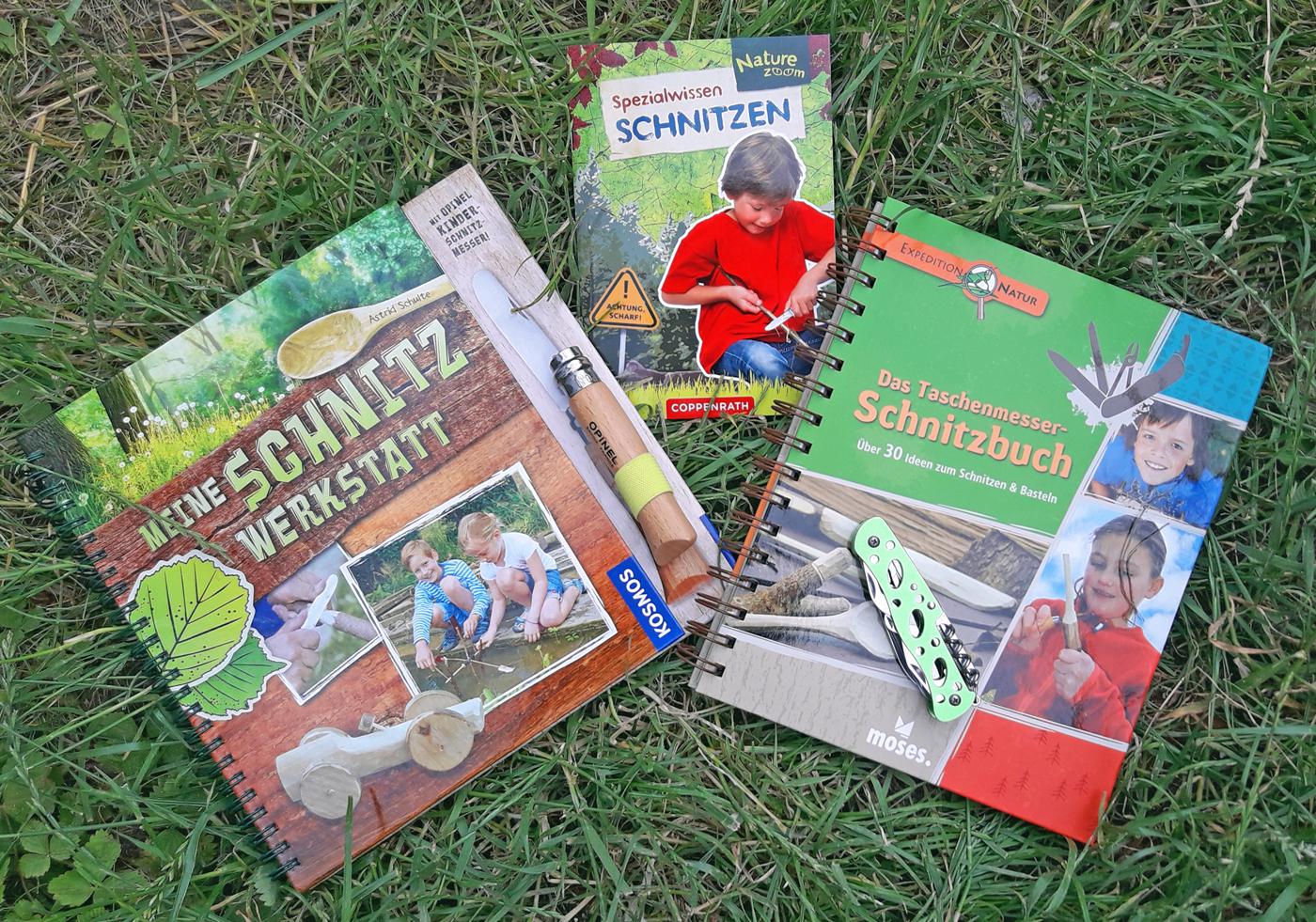 Für Kinder sind zahlreiche Schnitzbücher erhätlich - wir stellen Ihnen drei davon vor. Foto: ForestFinance/Kristin Steffan