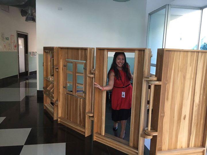"""ForestFinance macht Schule: Die """"Deutsche Schule Nikolaus Kopernikus"""" in Panama City setzt bei ihrer Einrichtung ganz auf ForestFinance-Holz. Foto: ForestFinance"""