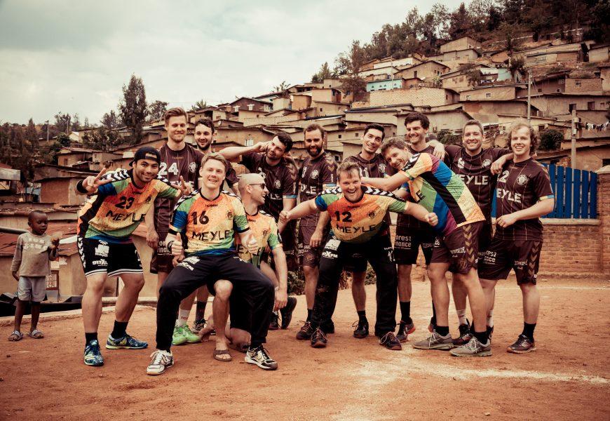 St. Paulis 1. Herrenhandballmannschaft zu Besuch in Ruanda
