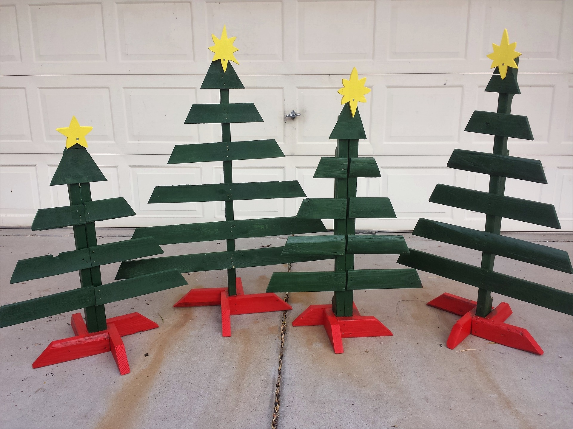 nachhaltige Weihnachten: Weihnachtsbaum aus Holz
