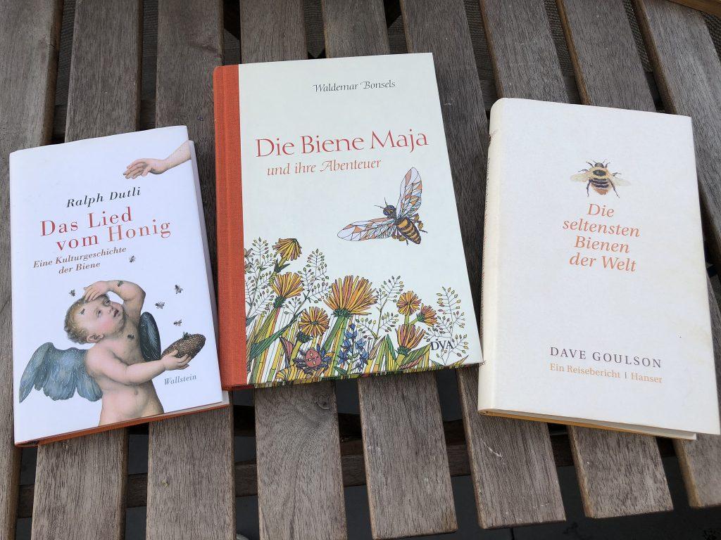 Drei Leseexemplare über Insekten