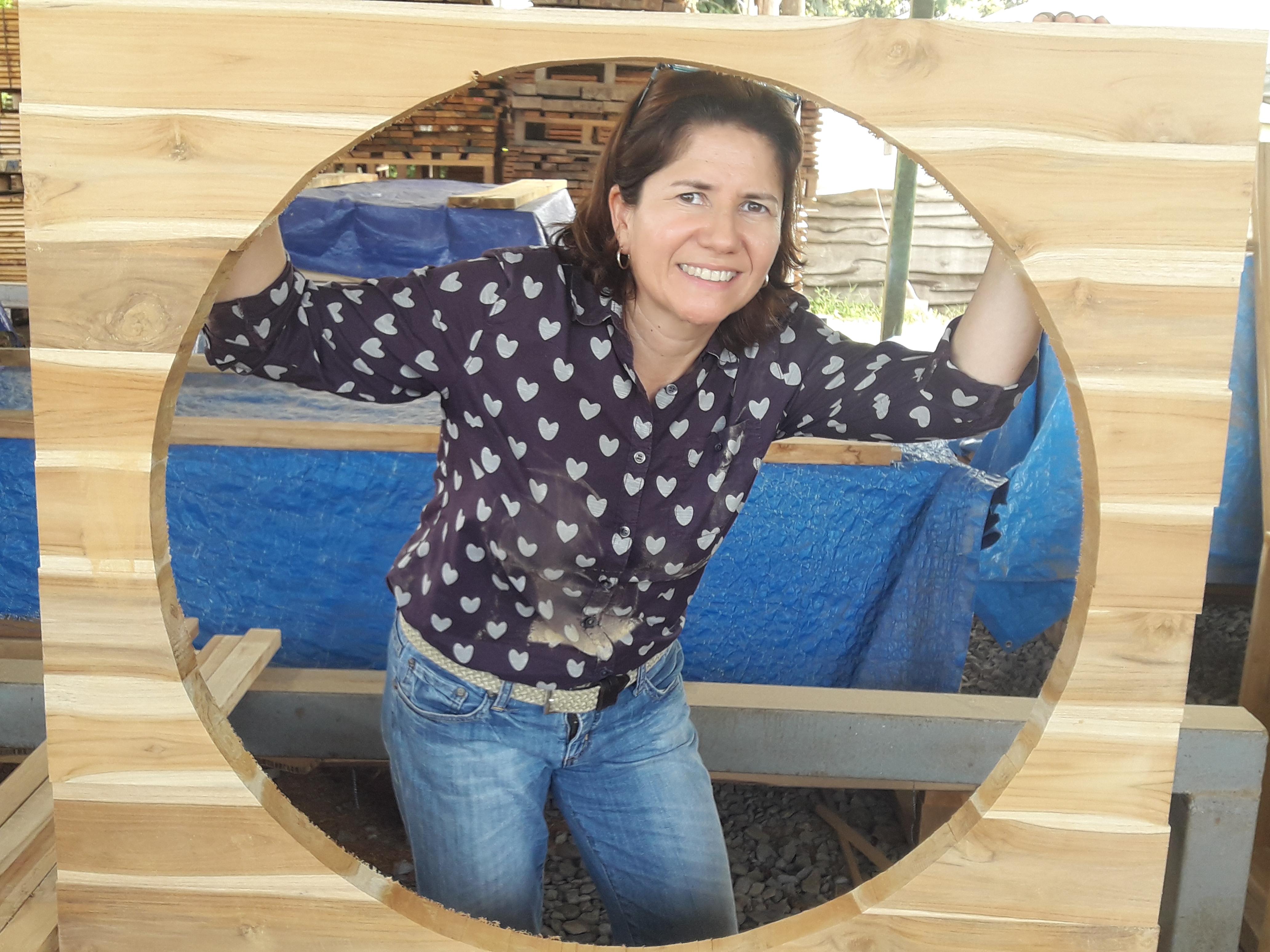 Holz mit Herz: Olga Gallego leitet unser Holzverarbeitungszentrum engagiert und kompetent. Foto: ForestFinance