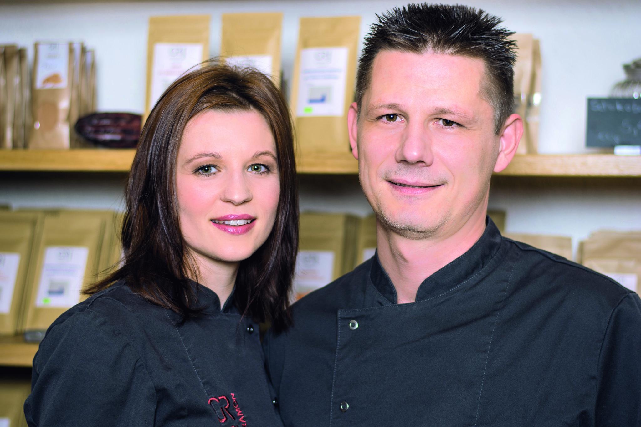Ramona Gustmann und Georg Bernardini, Chocolatiers aus Bonn/Oberkassel, führen die Schoko-Marke Georgia Ramon und verarbeiten Rohkakao von ForestFinance. Foto: ForestFinance