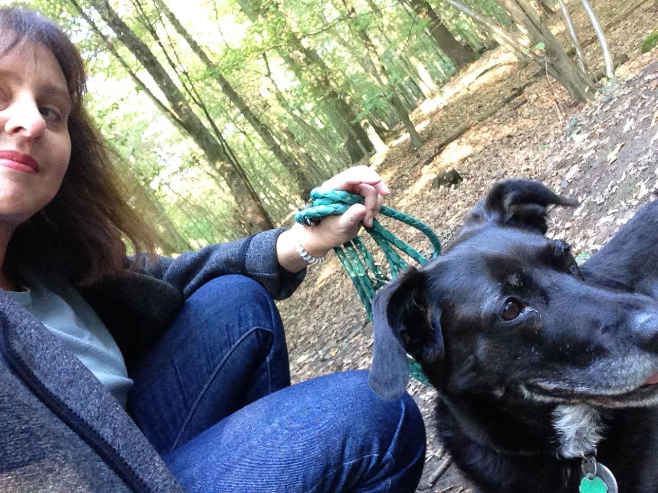 Auch in Ihrer Freizeit hält sich Christine Sommer-Guist auf - hier mit ihrem Hund Lilli. Foto: privat